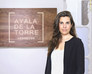 AYALA-DE-LA-TORRE-04b